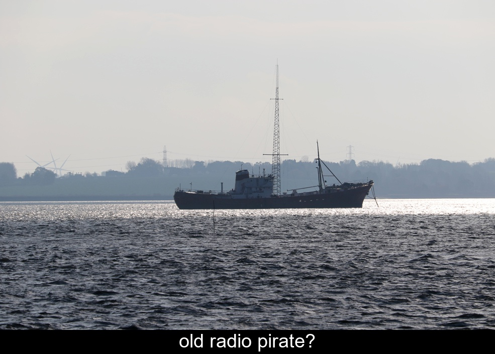 old-radio-pirate.jpg